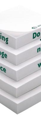 Cuburi cu postituri adezive